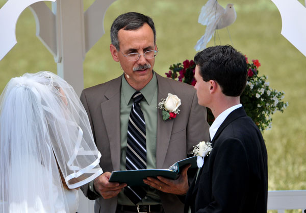 Giving advice to the groom